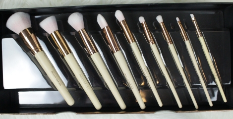 limited-edition-brushes-makeup-revolution-london-storage-chest