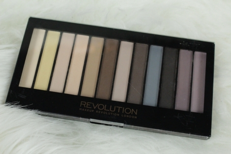 makeup-revolution-essential-mattes